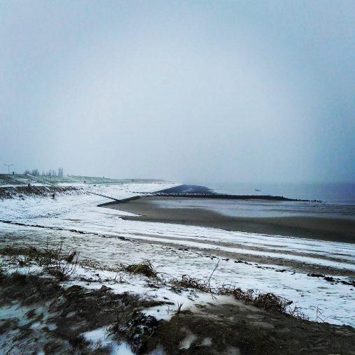 Strand bij Yerseke in de sneeuw. Januari 2017