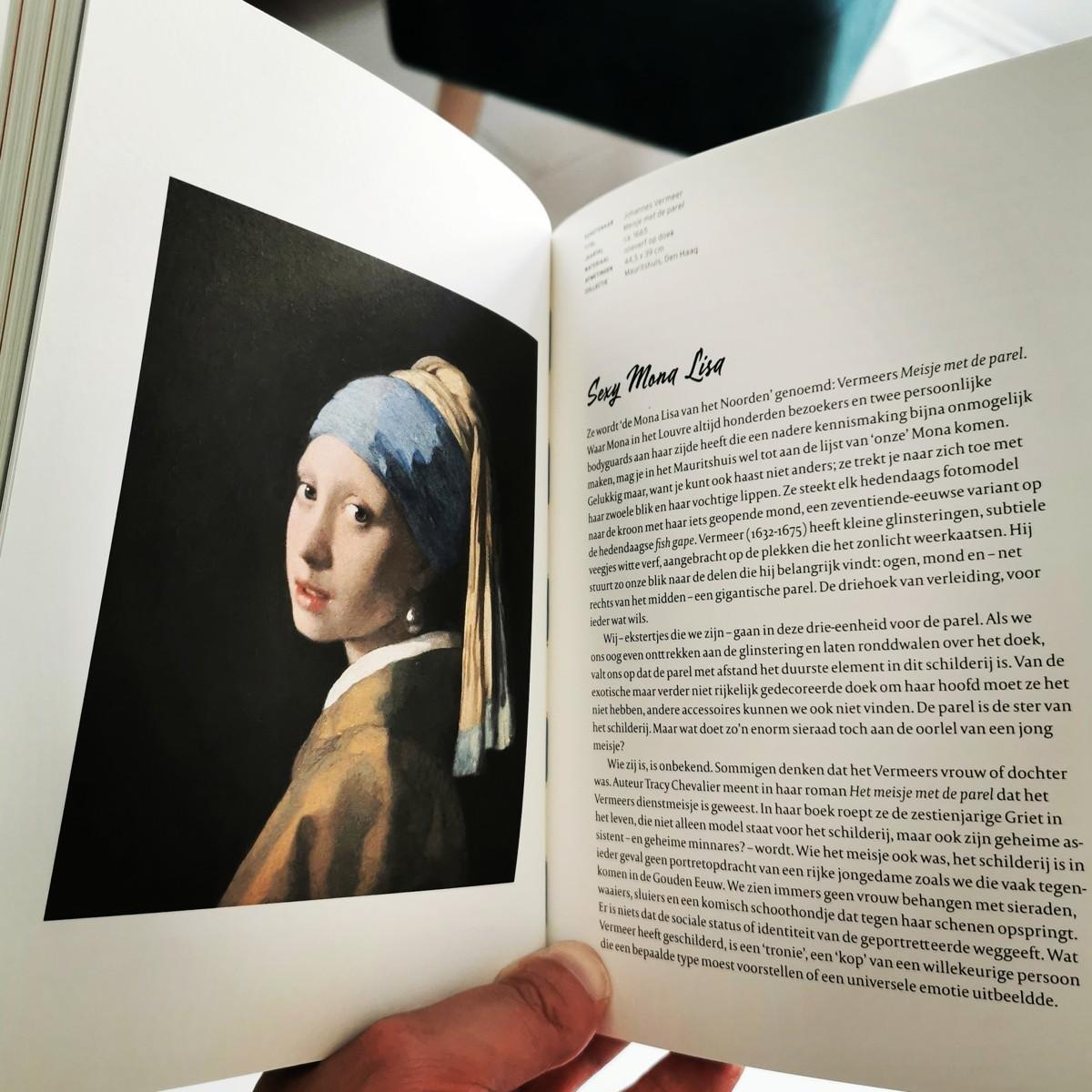 Een pagina uit het boek van de Kunstmeisjes
